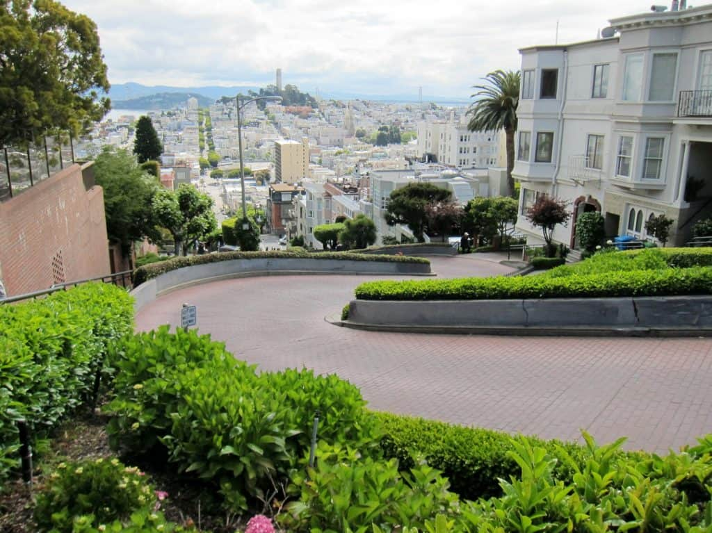 Fun San Francisco Attractions: Lombard street