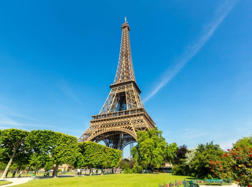 Places To Visit In Paris: Eiffel Tower