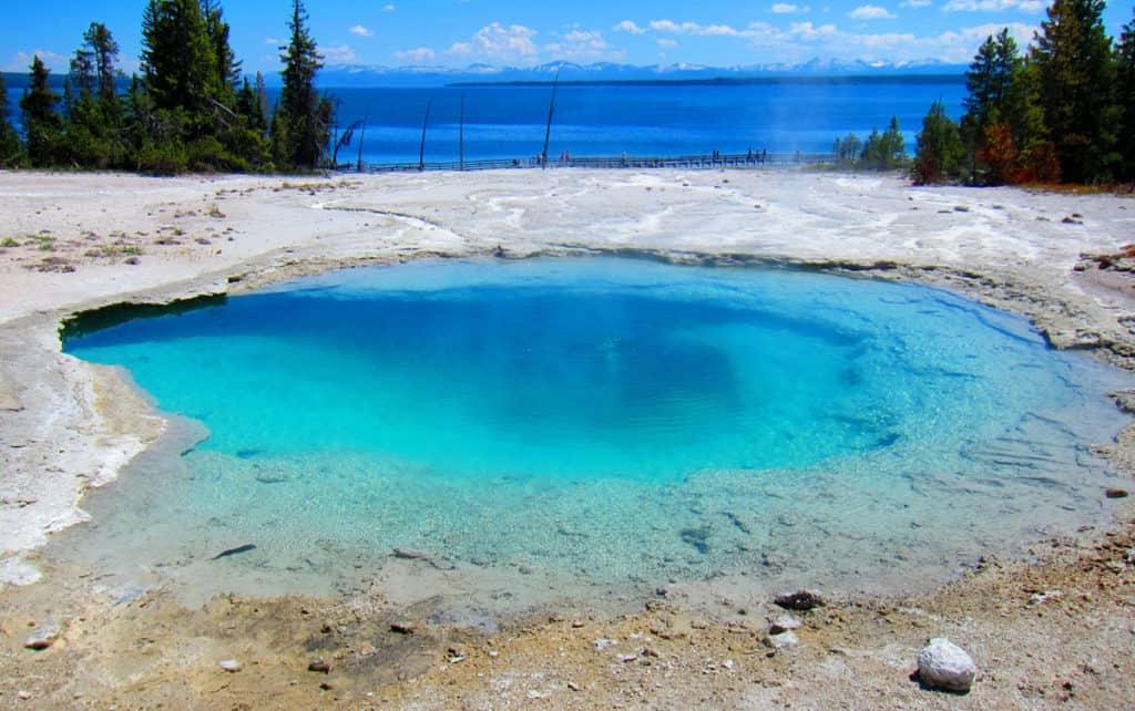 Yellowstone West Thumb Basin: Black Pool