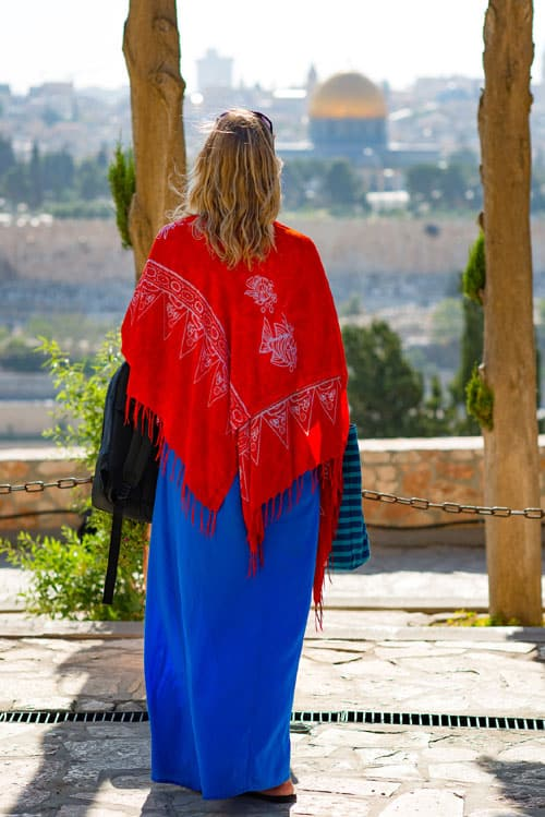 5a5a45eeca9e Tip  6 Cover up when visiting religious sites. What to wear in Israel ...