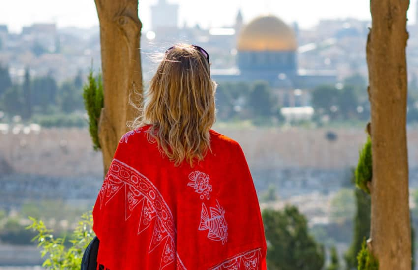 what-to-wear-in-israel-feat
