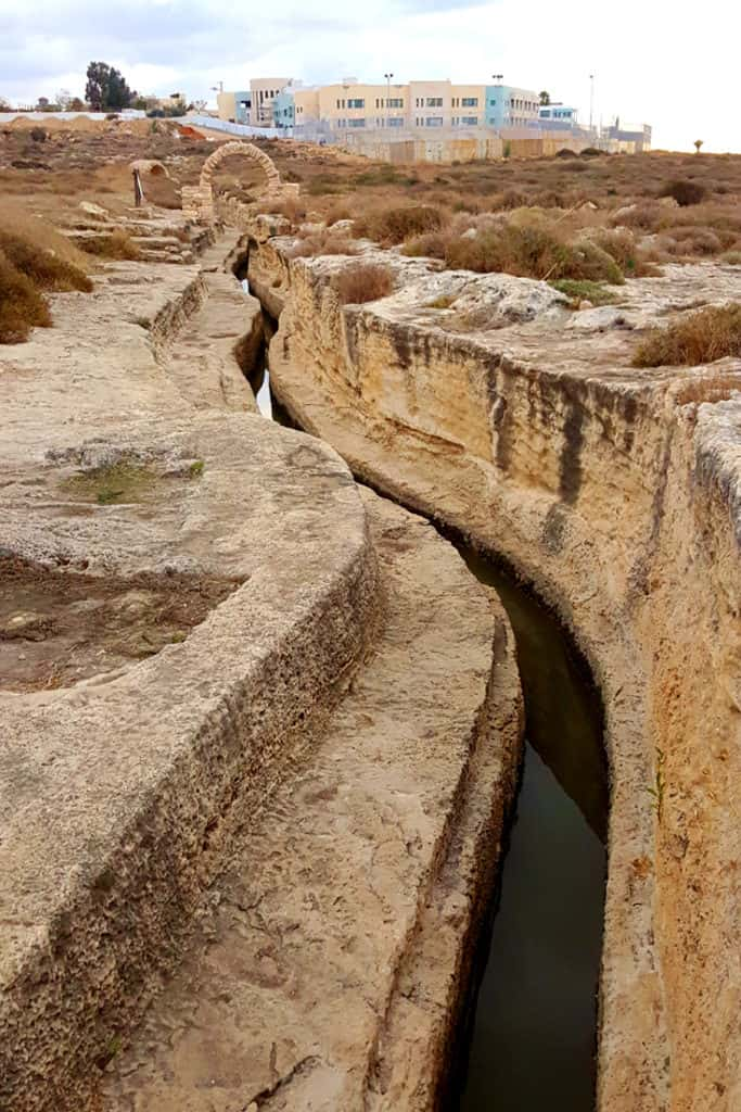 Visiting Israel: The Nahal Taninim visitors guide. This is the aqueduct trail.