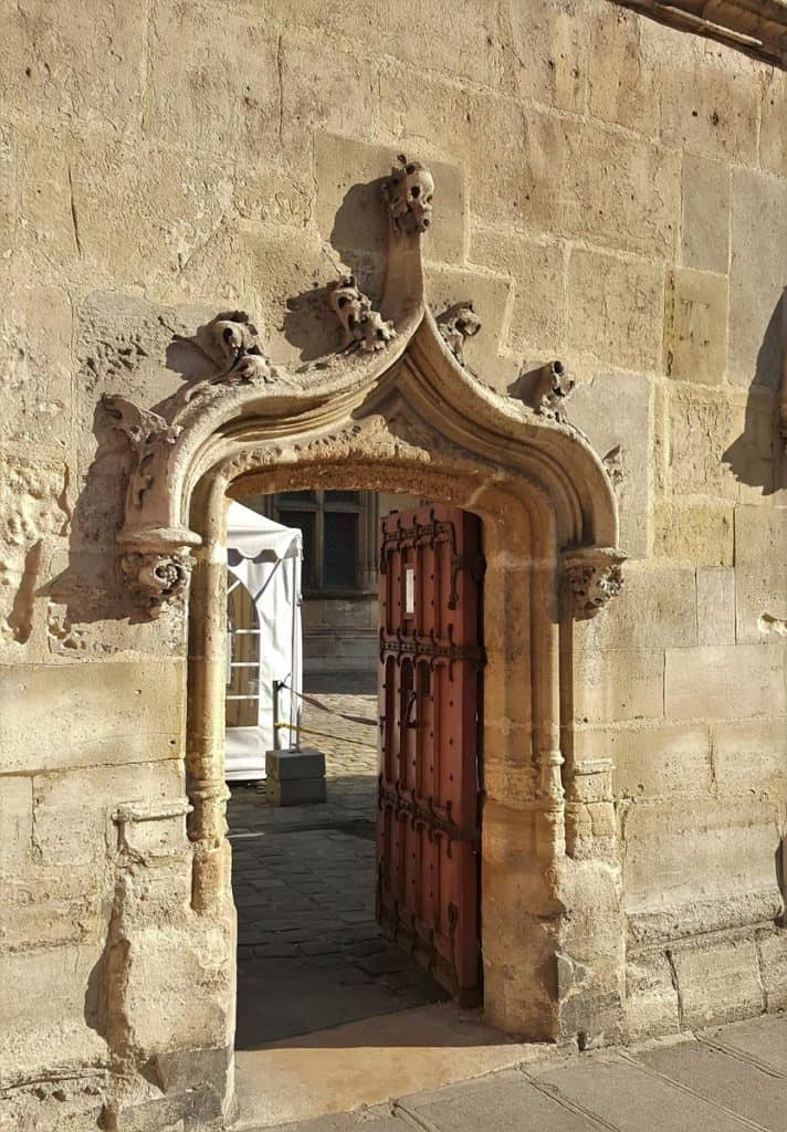Visiting the Cluny Museum in Paris: The medieval gate