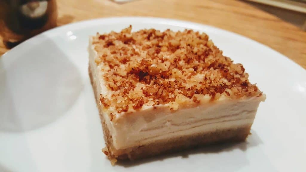 Dates and cashew vegan cheesecake. Anastasia, Tel Aviv restaurant review.