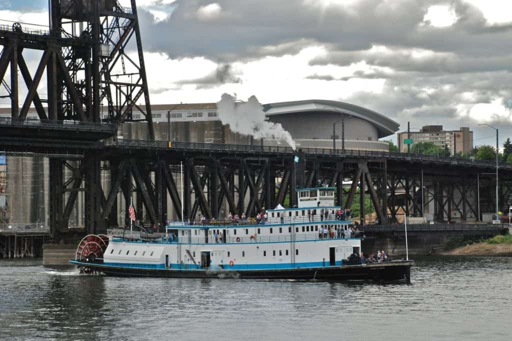 "Sternwheeler ""Portland"""