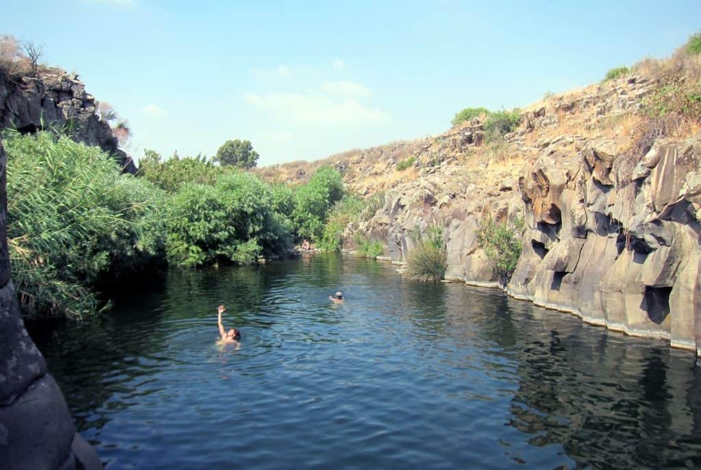 Meshushim pool