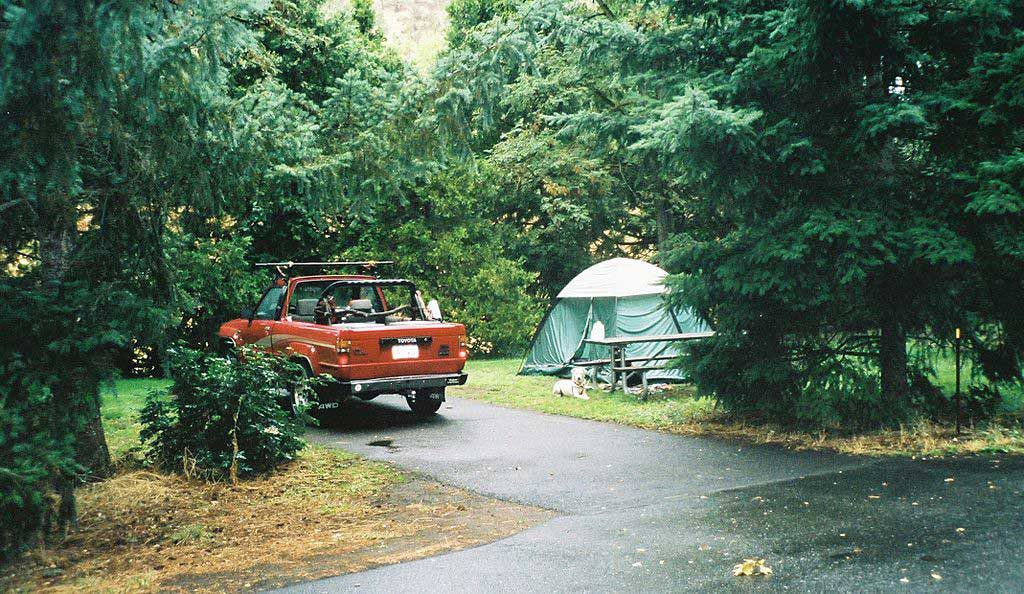 Campground in Valley of the Rogue State Park on the banks of the Rogue River adjacent to Interstate 5 (Oregon).