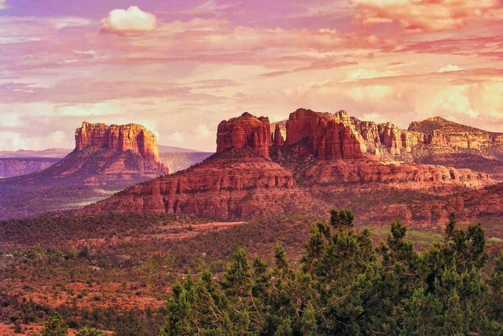 Humongous brown mountains in Arizona