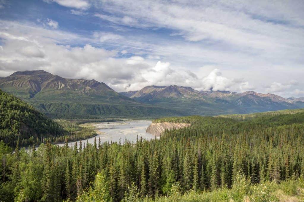 Views from Glenn Hwy between Palmer and Glenallen, Alaska