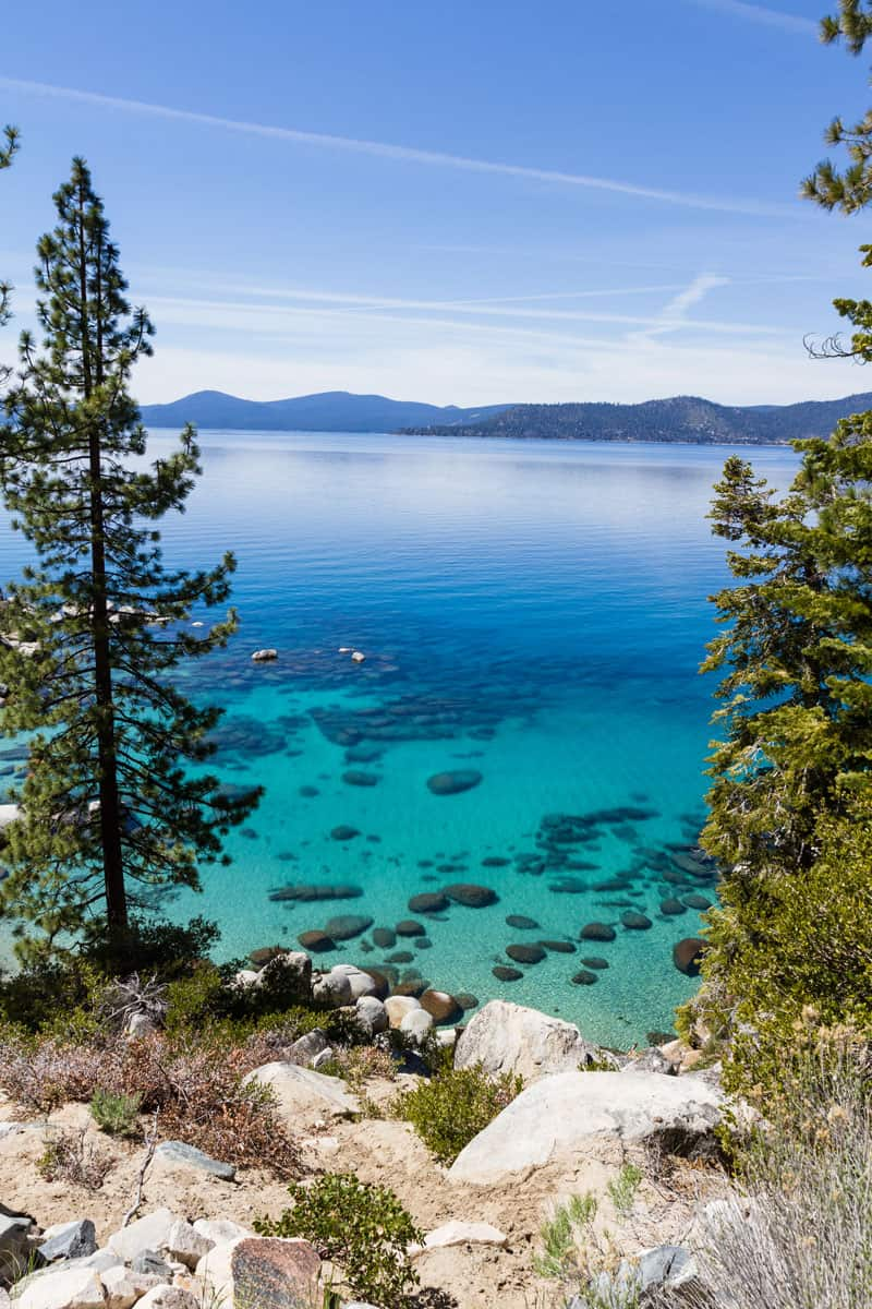 Beautiful-Lake-Tahoe-with-chemtrails-across-the-blue-sky