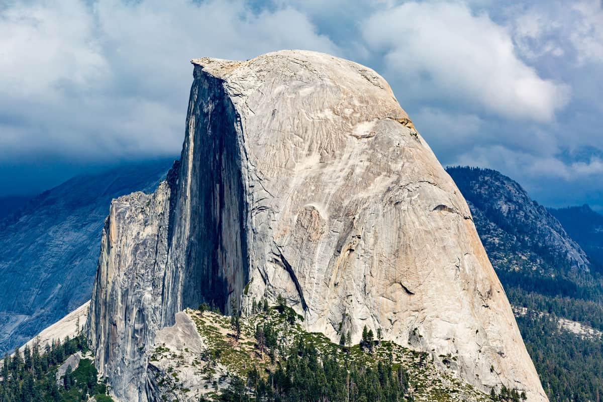Half-Dome-in-Yosemite-National-Park,-California,-USA