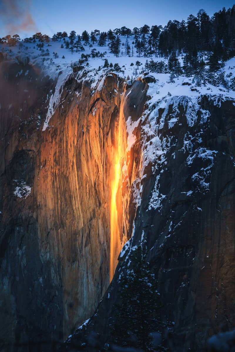 Yosemite-Firefall-at-Sunset,-Yosemite-National-Park,-CA