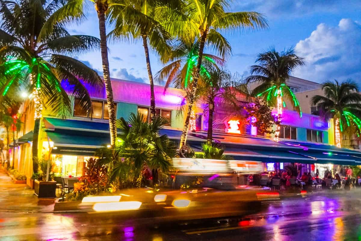 Colours, cabs and cocktails determine the nightlife while celebrating in Miami Beach. South Beach offers endless locations to have fun all night long